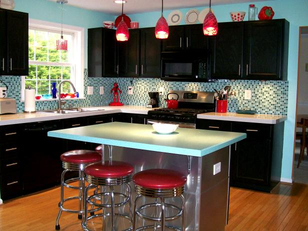 RMS-Kitchen-Styles_retro-kitchen-jennifer-designs_s4x3.jpg.rend_.hgtvcom.616.462
